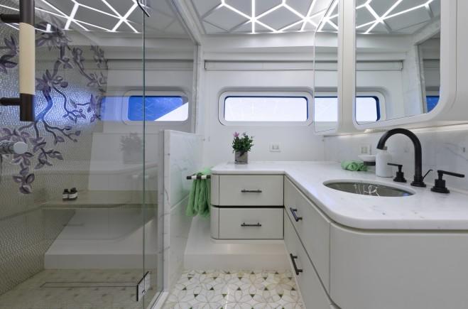 Yacht #30