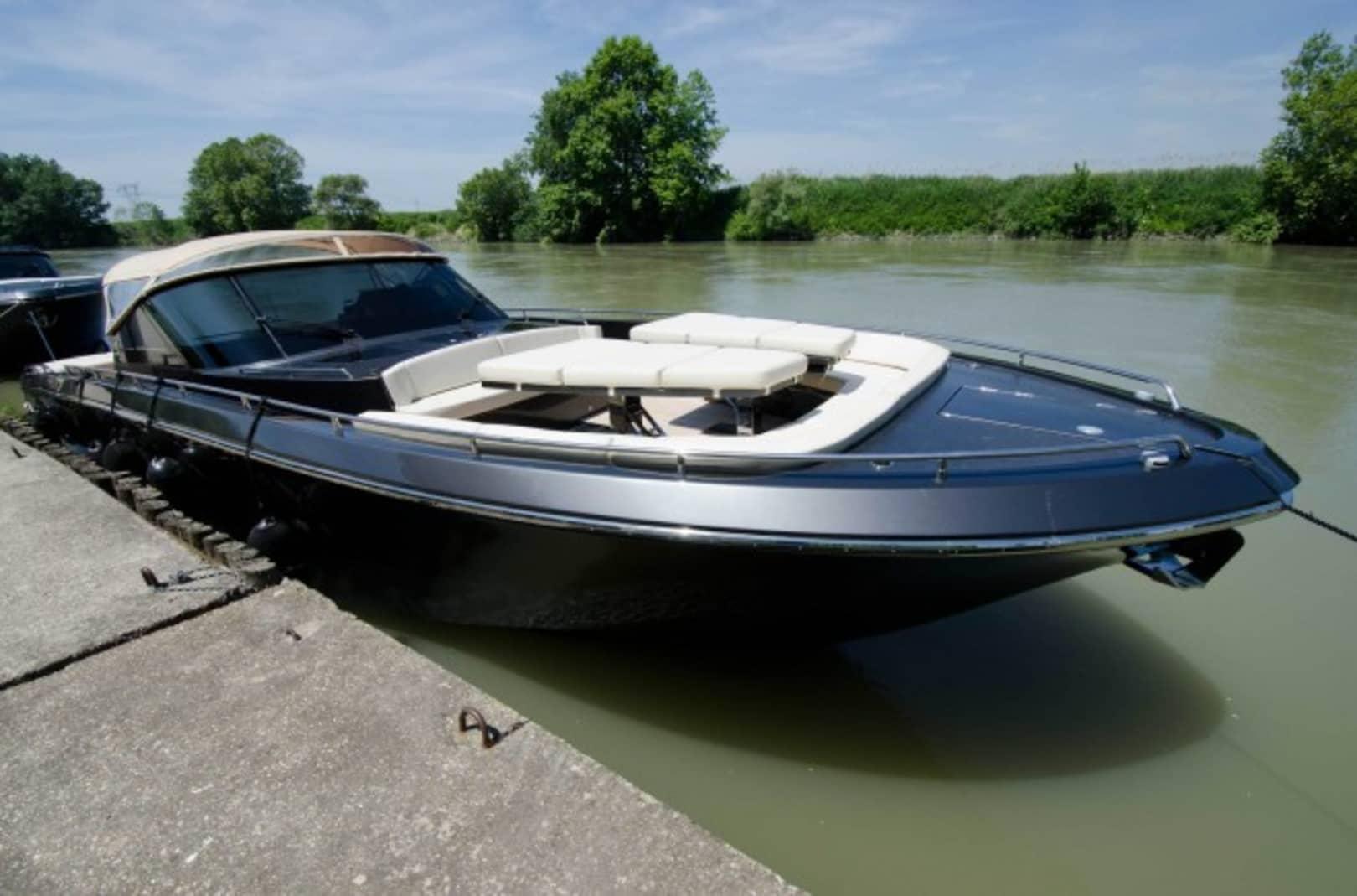 Don Tanani Yacht for Sale - Cantieri Navali del Mediterraneo