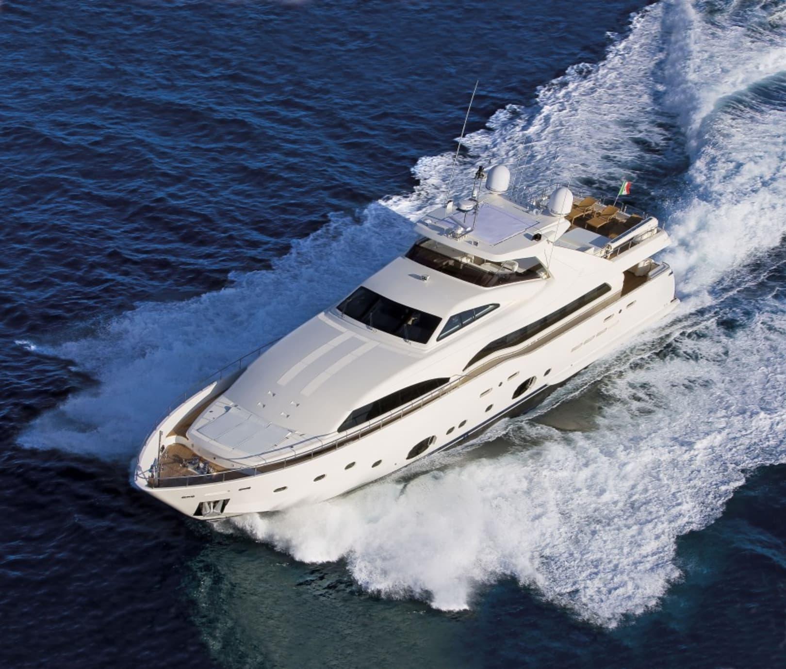 M/Y Custom Line 112 Next Yacht #4