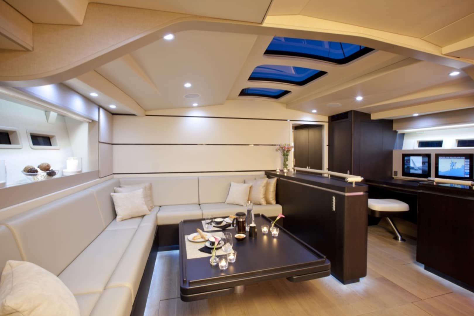 S/Y Carbon Ocean Yachts 82 Yacht #4