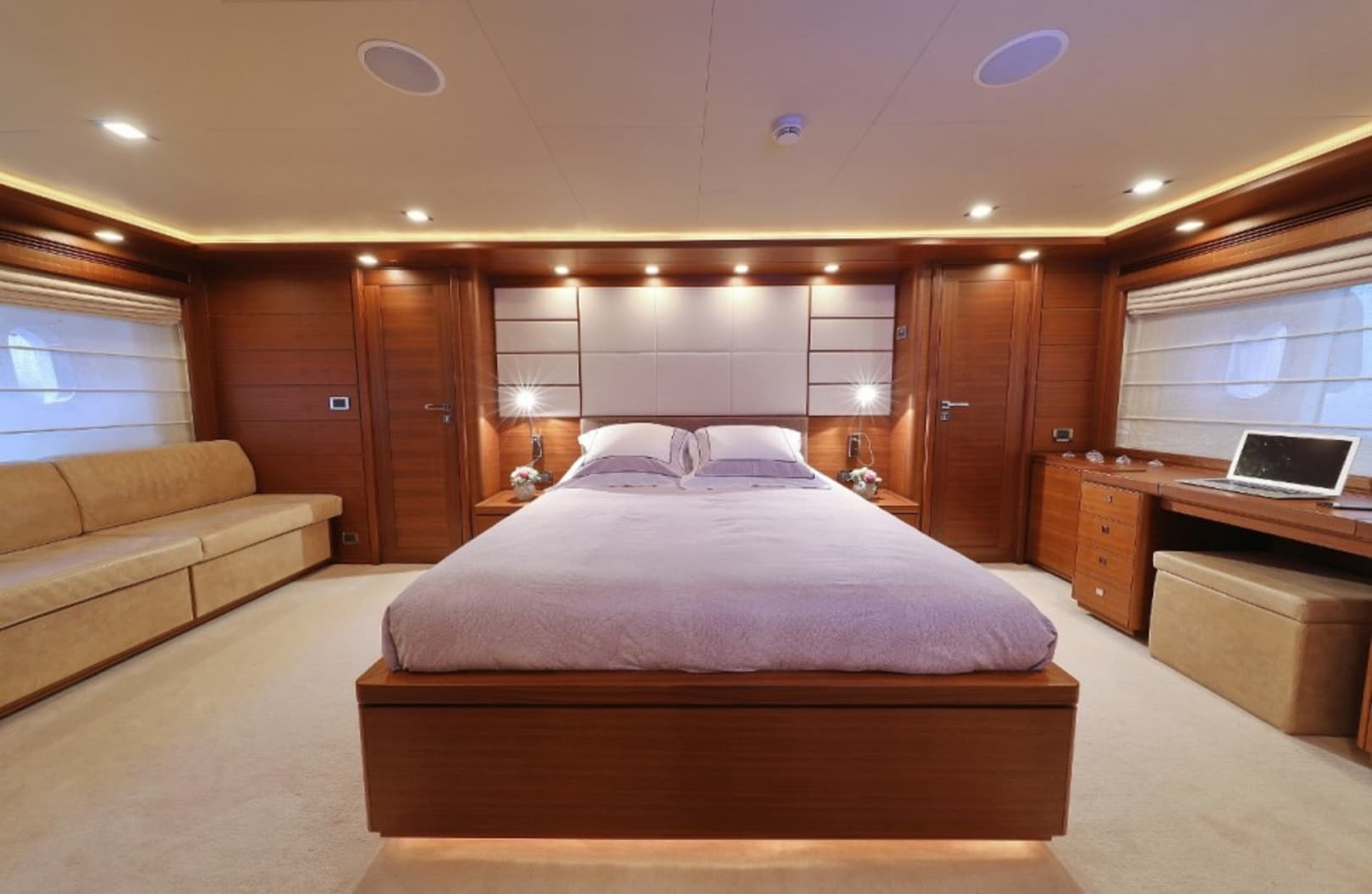 M/Y Custom Line 112 Next Yacht #18