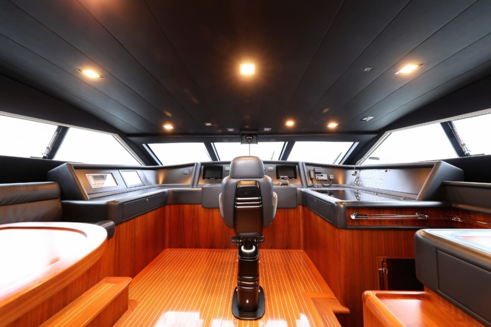 M/Y Custom Line 112 Next Yacht #41