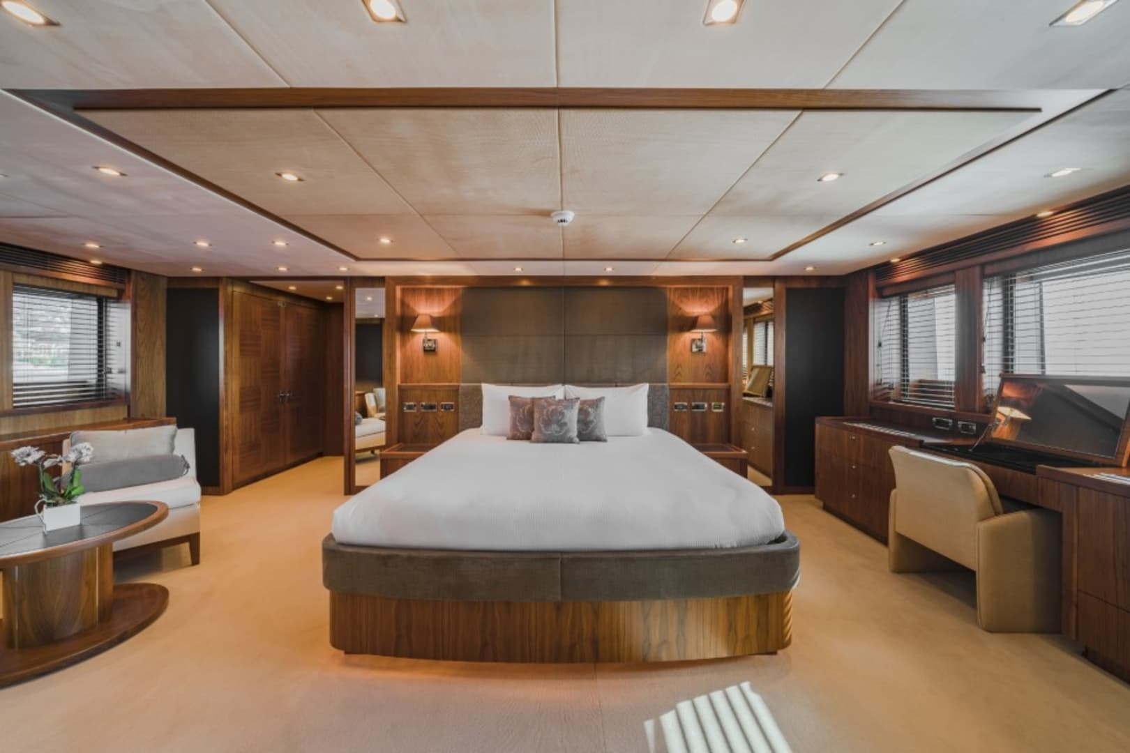 M/Y The Devocean Yacht #17