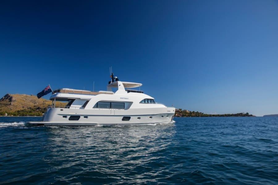 Моторная яхта EIGHTEEN TWO Yacht #3