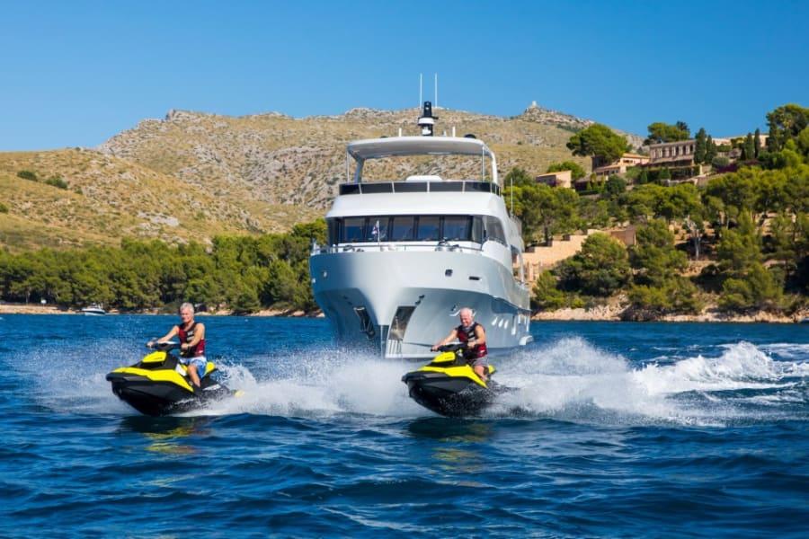 Моторная яхта EIGHTEEN TWO Yacht #2