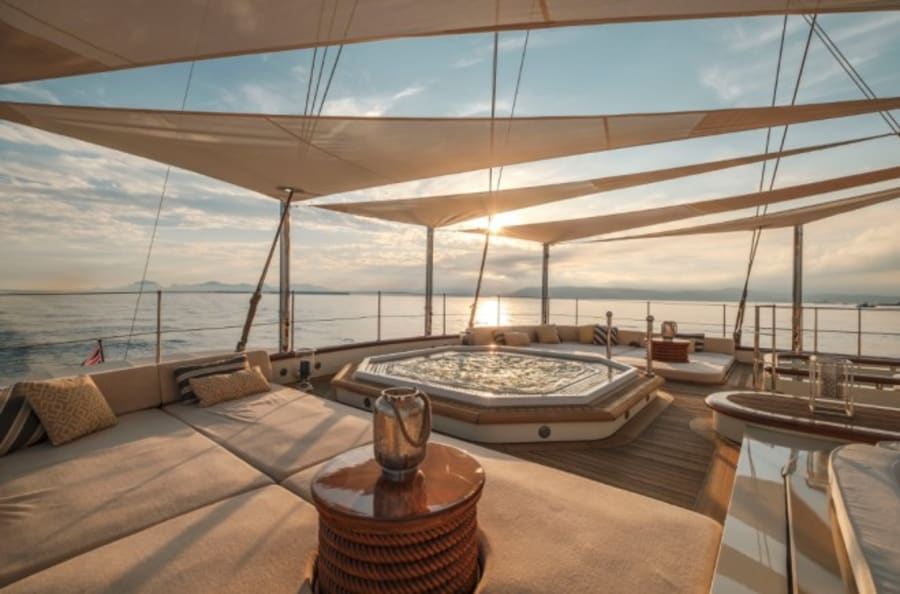 Моторная яхта Nero Yacht #11