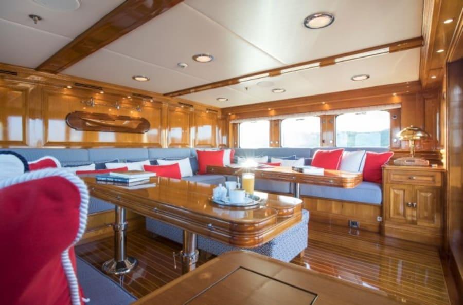 Моторная яхта Nero Yacht #13