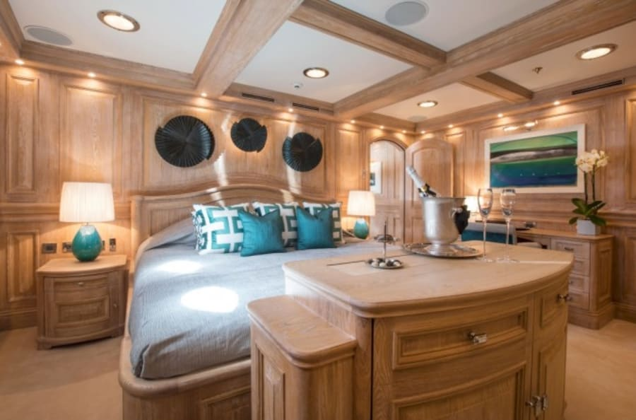 Моторная яхта Nero Yacht #27