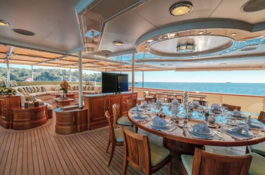 Моторная яхта Nero Yacht #40