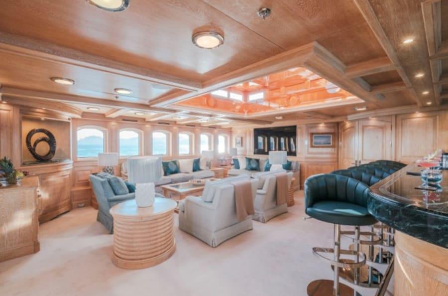 Моторная яхта Nero Yacht #42