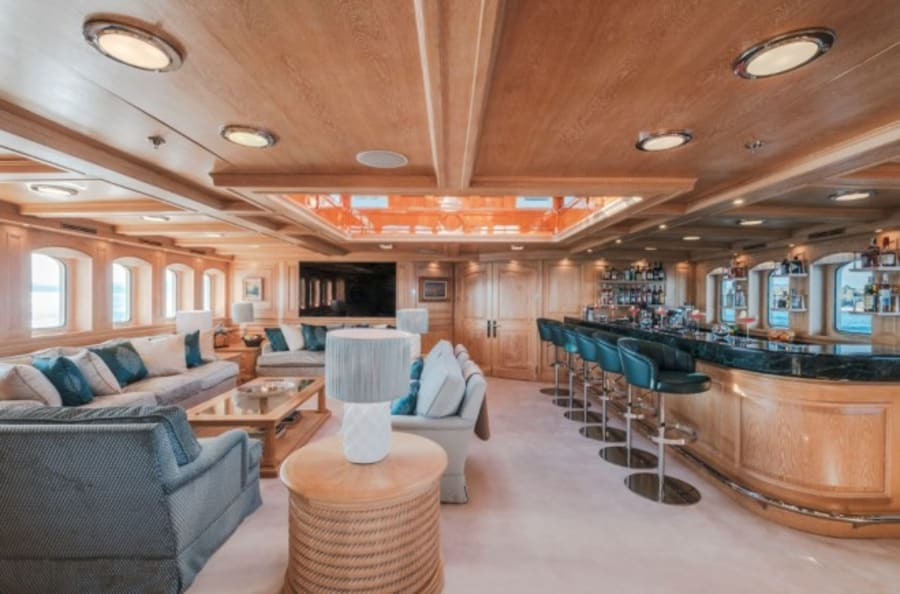 Моторная яхта Nero Yacht #43