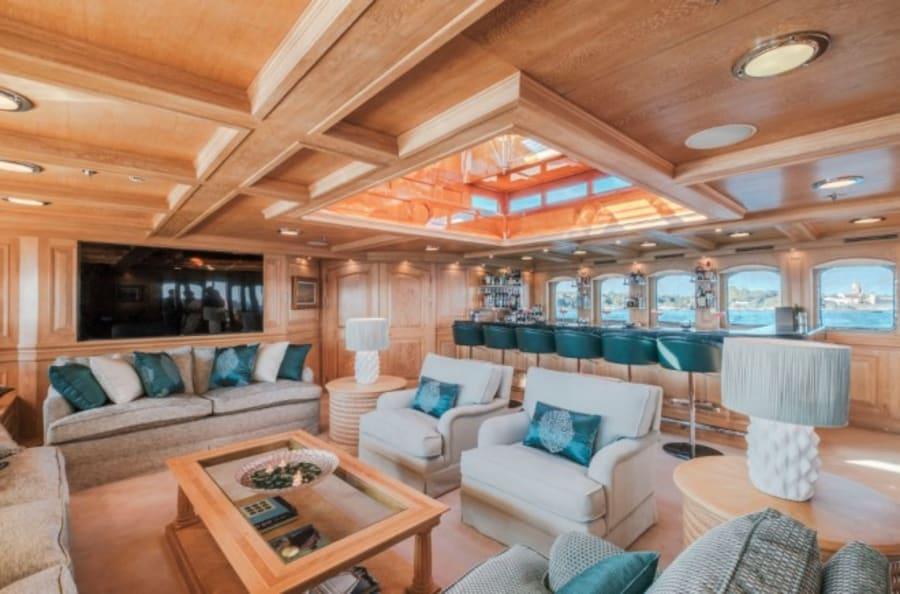 Моторная яхта Nero Yacht #51