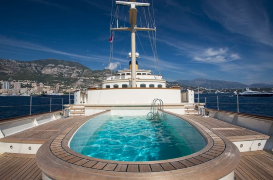 Моторная яхта Nero Yacht #53