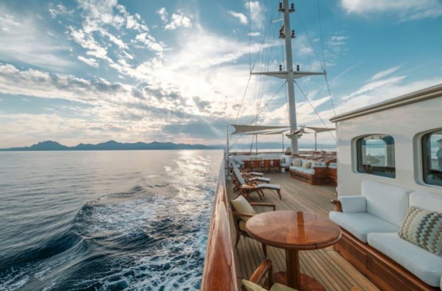 Моторная яхта Nero Yacht #58