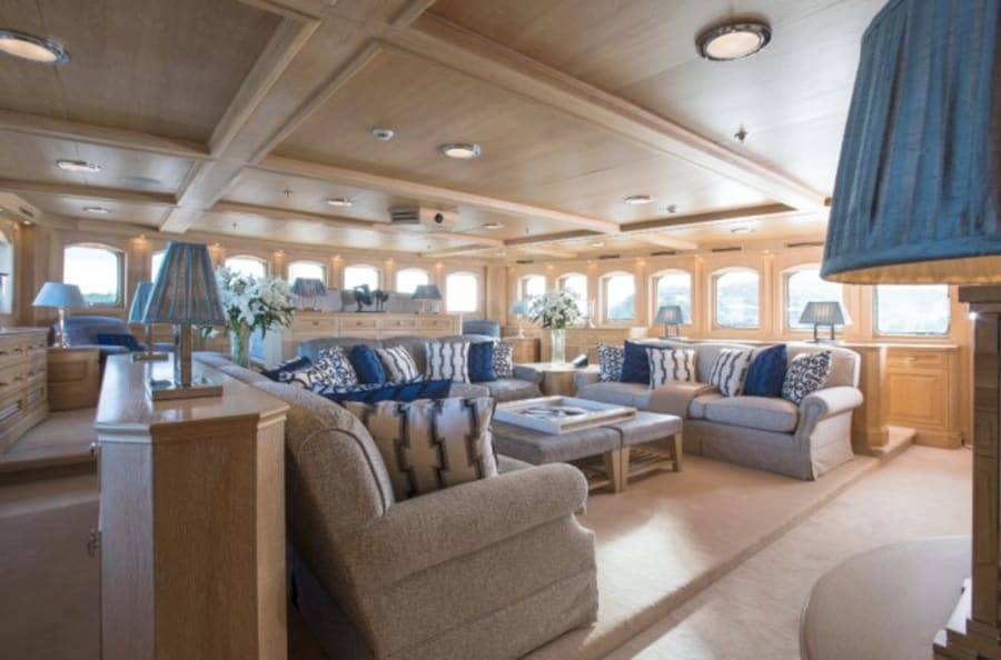 Моторная яхта Nero Yacht #57