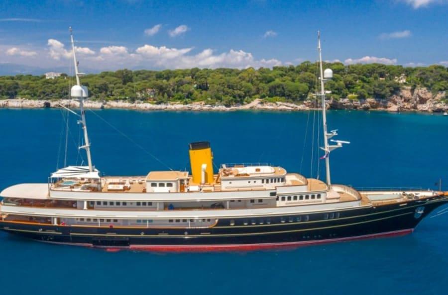 Моторная яхта Nero Yacht #1