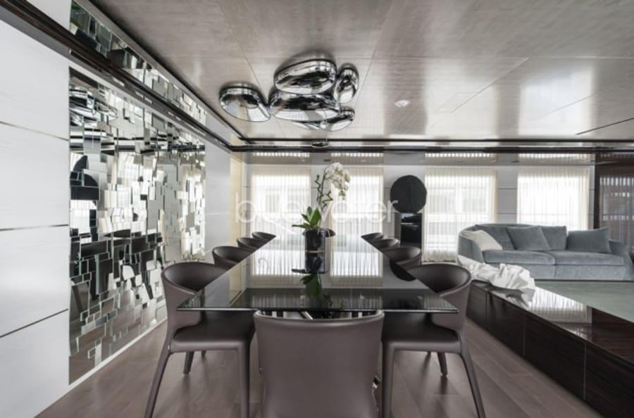 Моторная яхта Entourage Yacht #17