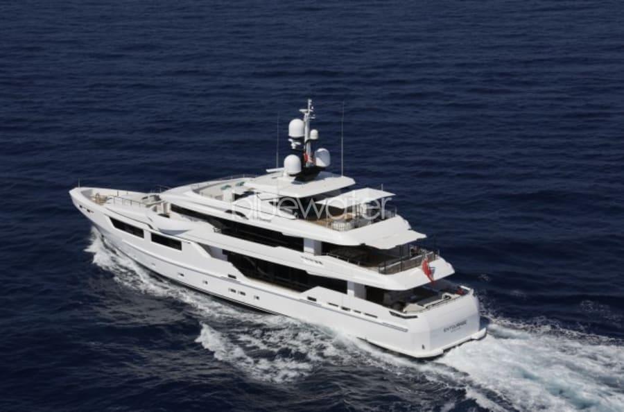 Моторная яхта Entourage Yacht #7