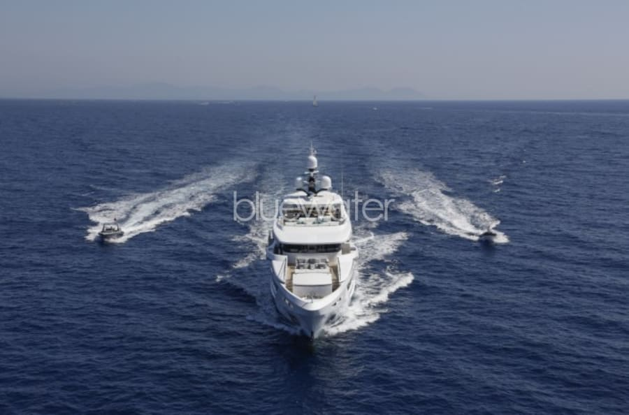 Моторная яхта Entourage Yacht #8