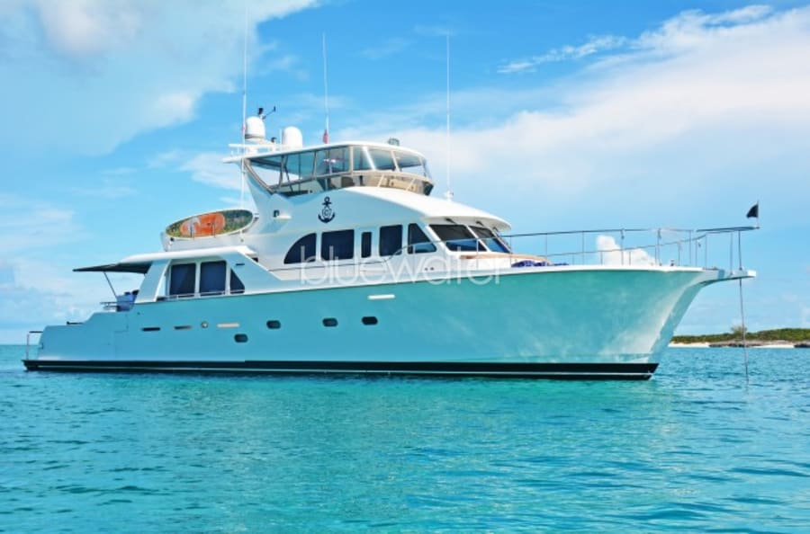 Моторная яхта Illiquid Yacht #1