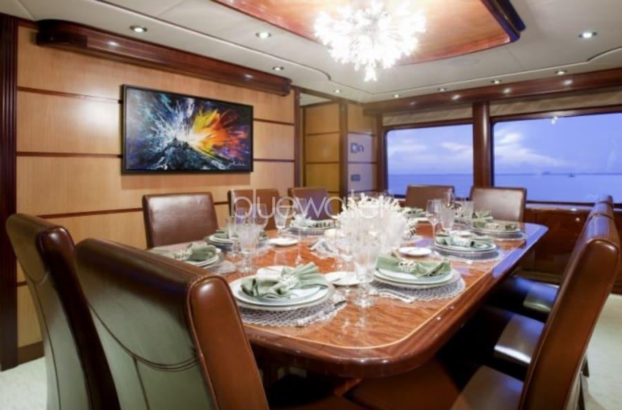 Моторная яхта Just Enough Yacht #10