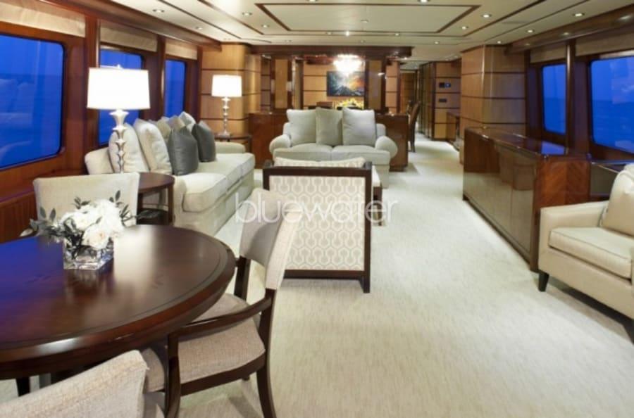 Моторная яхта Just Enough Yacht #12