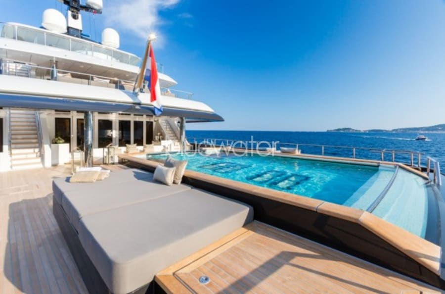Моторная яхта ICON Yacht #8