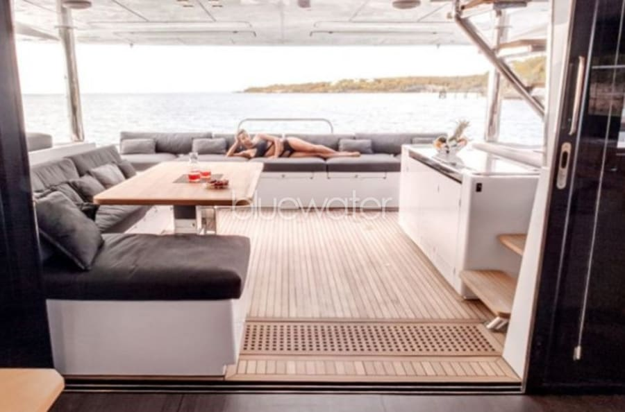 Моторная яхта LONG MONDAY Yacht #10