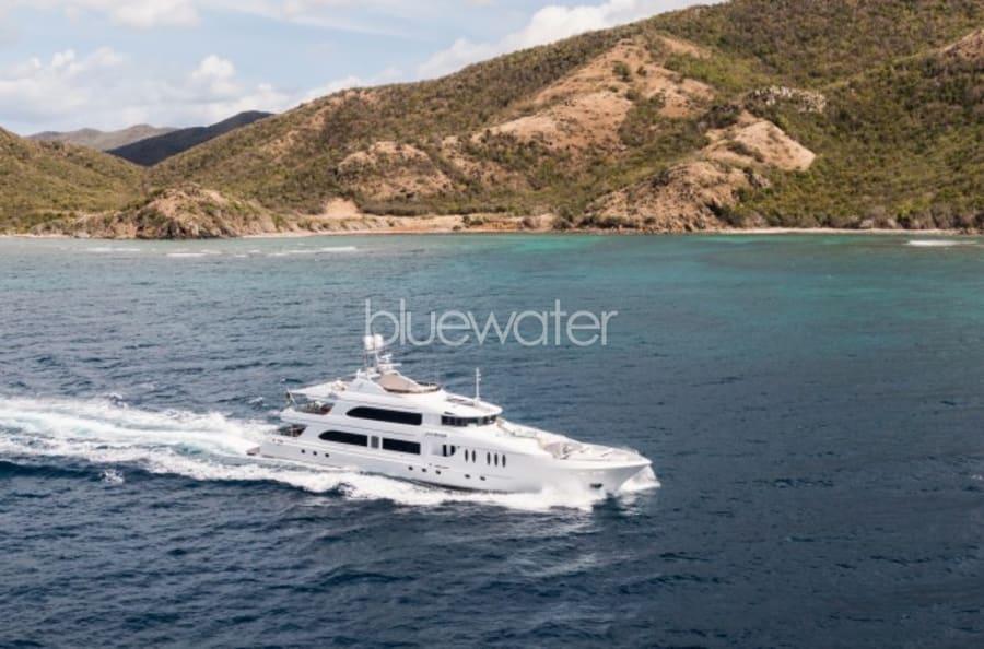 Моторная яхта Just Enough Yacht #2