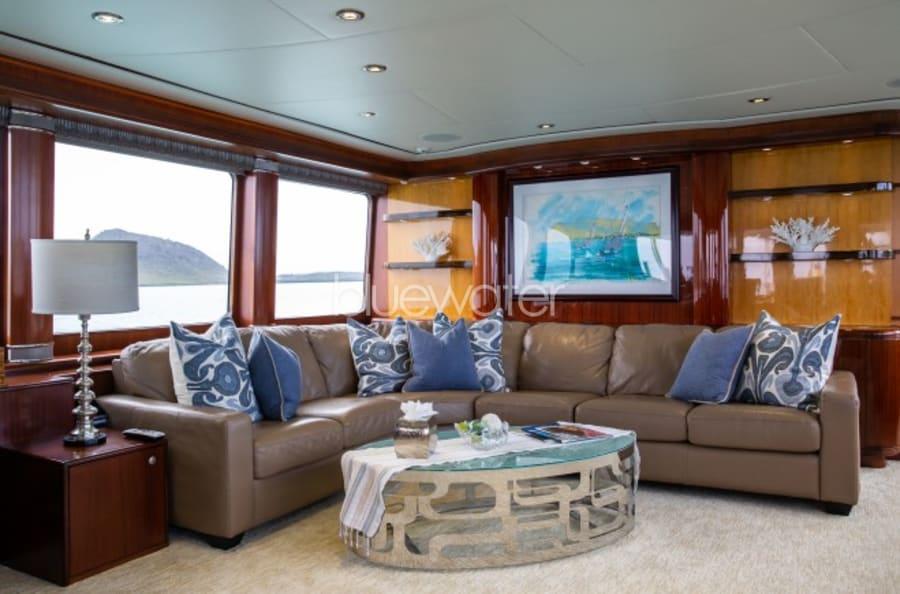 Моторная яхта Just Enough Yacht #23