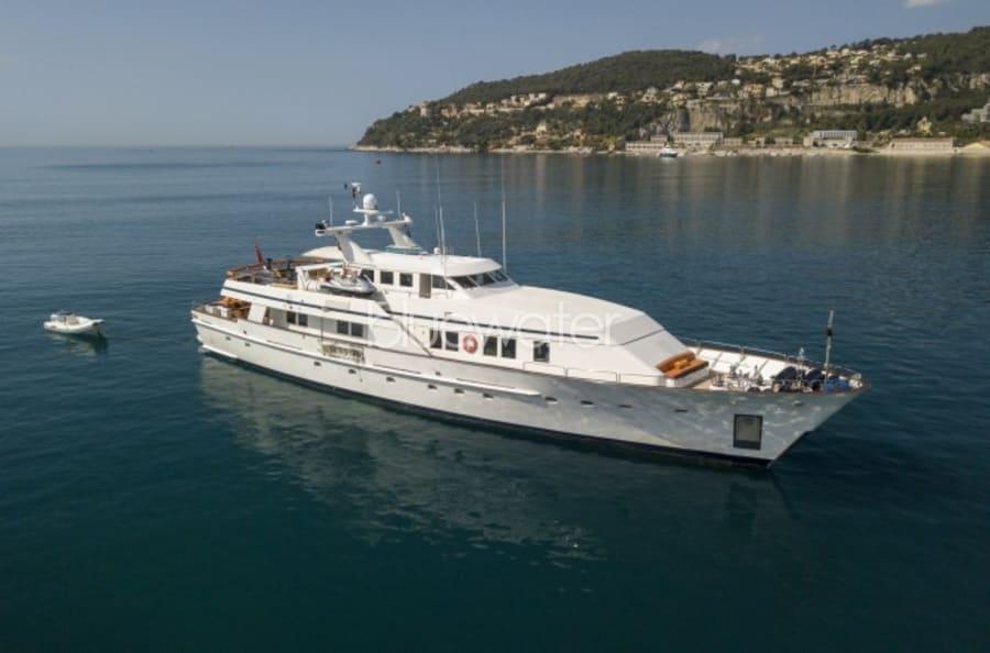 Моторная яхта Fiorente Yacht #1