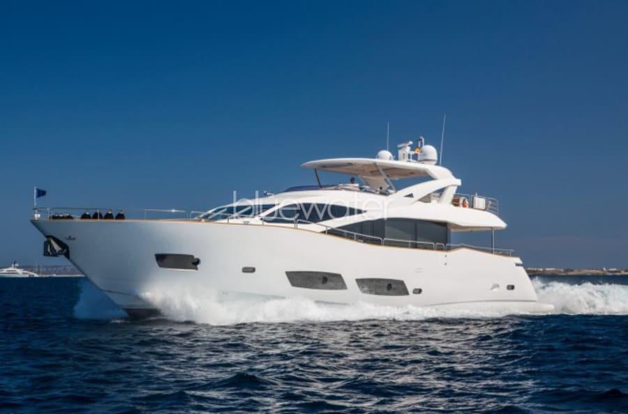 Моторная яхта Play the Game Yacht #1