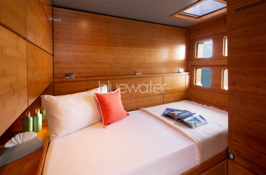 Моторная яхта CHE Yacht #16