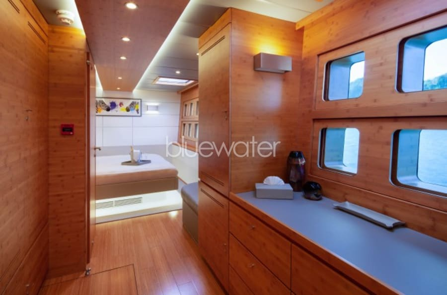 Моторная яхта CHE Yacht #21