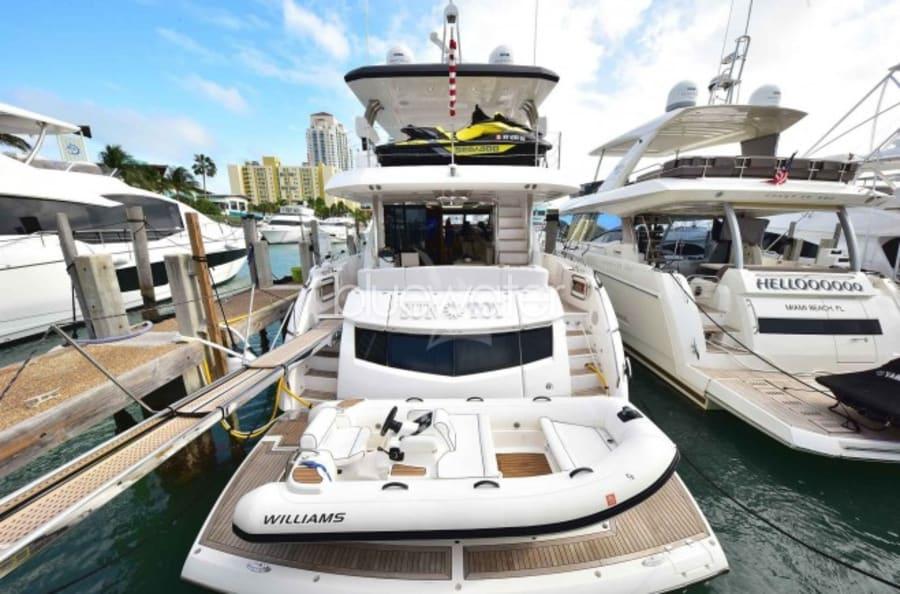 Моторная яхта SUN TOY Yacht #24