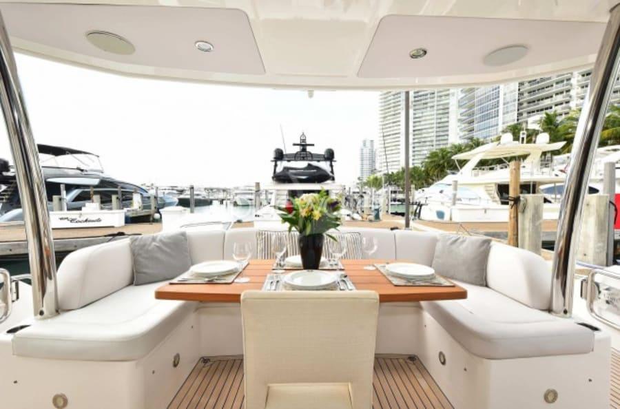 Моторная яхта SUN TOY Yacht #27