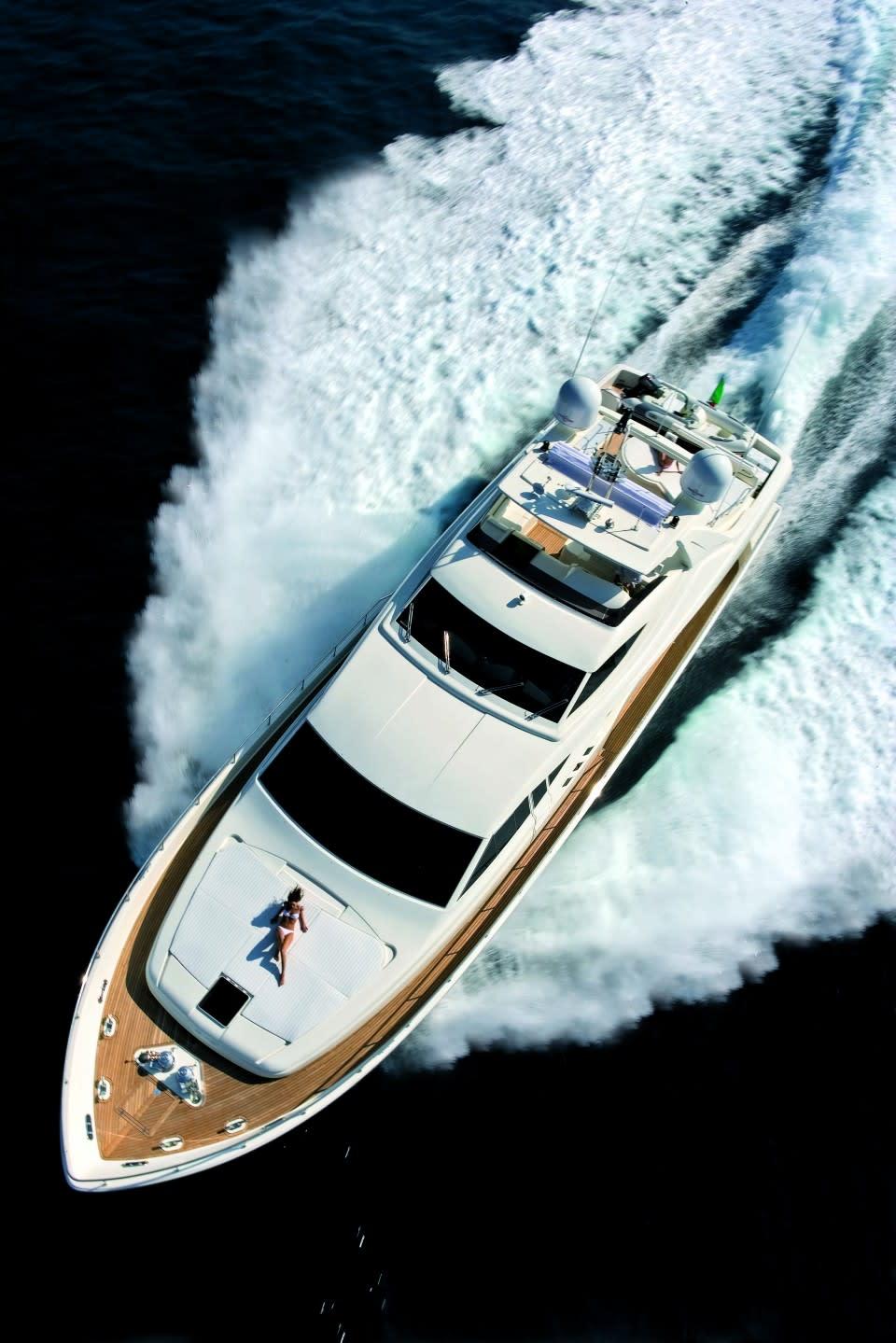 M/Y Maxi Beer Yacht #3