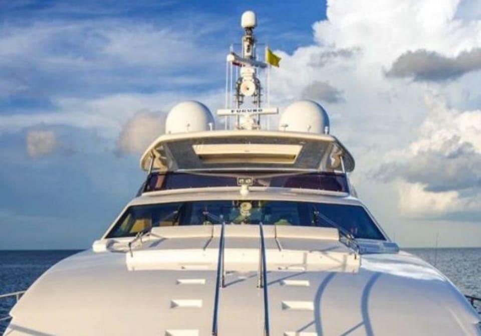 M/Y 30m Ferretti Yacht #13
