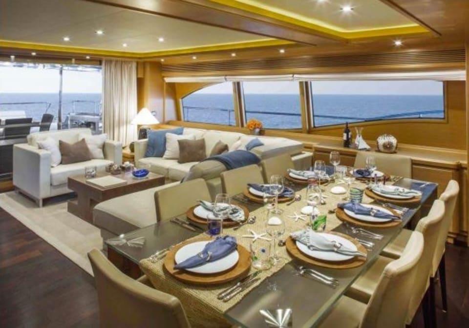 M/Y 30m Ferretti Yacht #3
