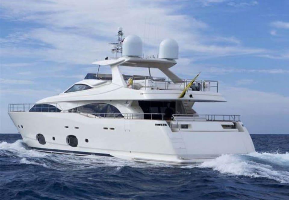 M/Y 30m Ferretti Yacht #14
