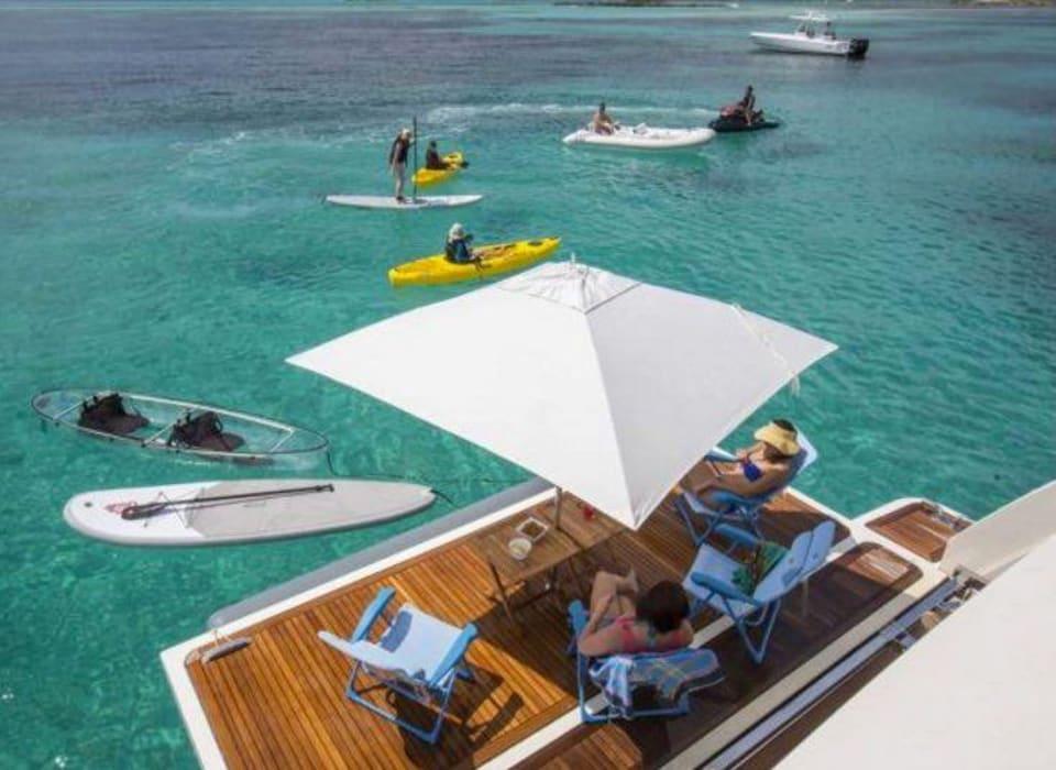 M/Y 30m Ferretti Yacht #15