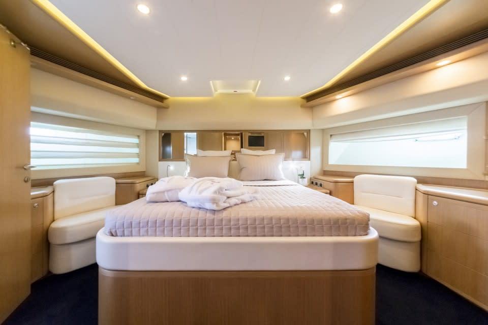 M/Y Porthos Sans Abri Yacht #19
