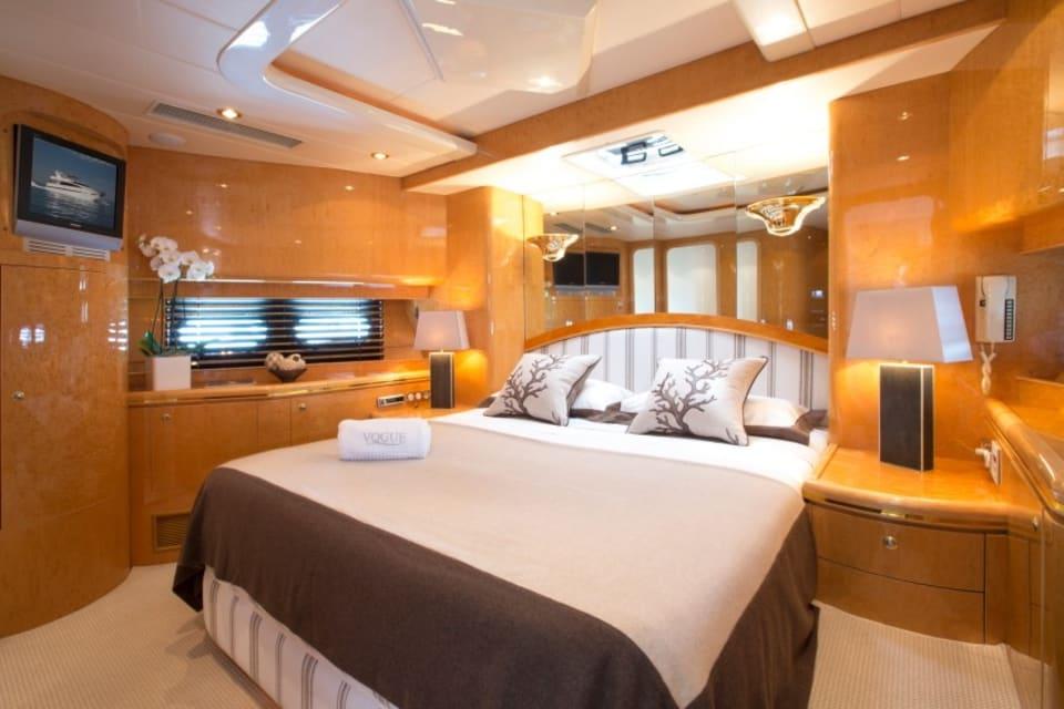 Моторная яхта Vogue Yacht #14