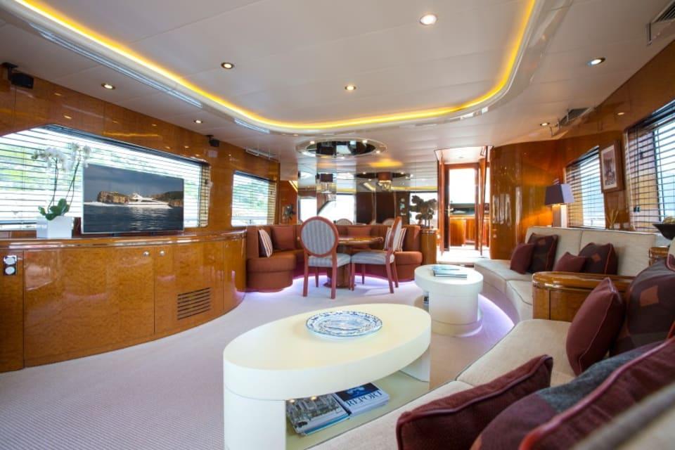 Моторная яхта Vogue Yacht #10