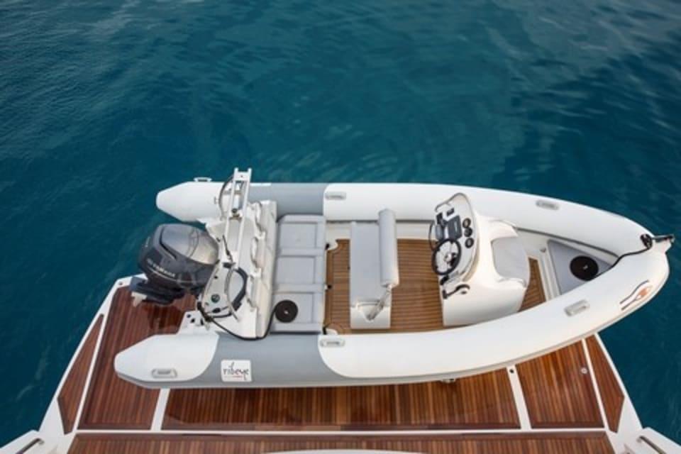 Моторная яхта Play the Game Yacht #27