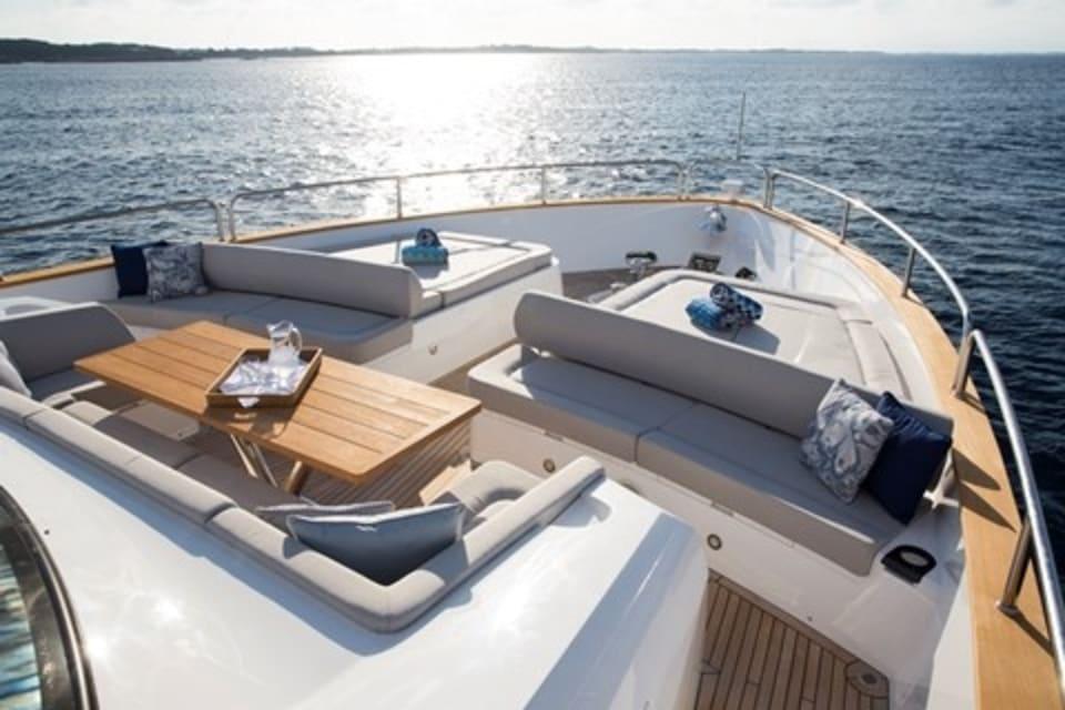 Моторная яхта Play the Game Yacht #12