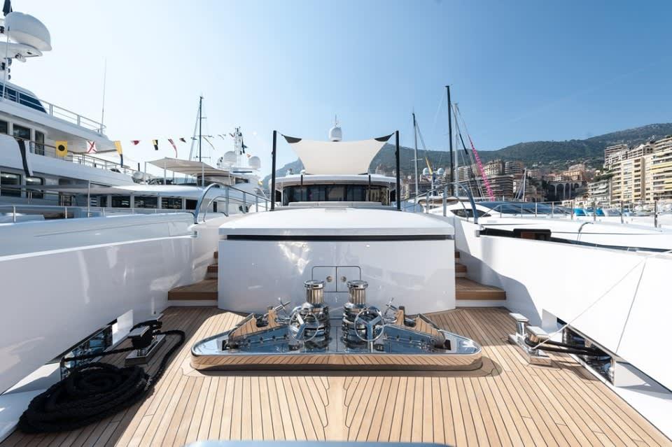 Моторная яхта Entourage Yacht #10