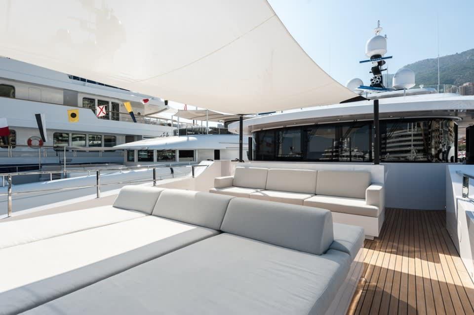 Моторная яхта Entourage Yacht #11
