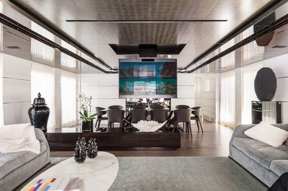 Моторная яхта Entourage Yacht #3