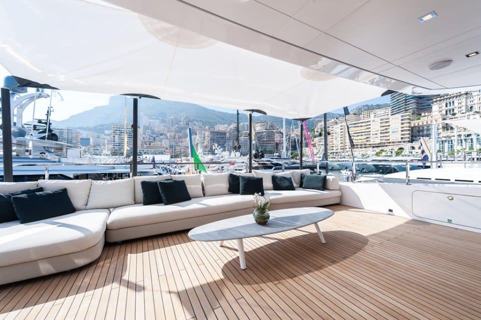 Моторная яхта Entourage Yacht #14